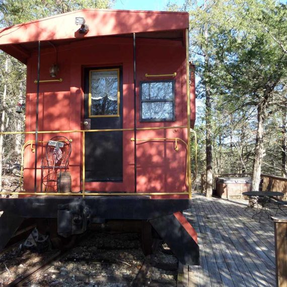 Livingston Junction Cabooses: Caboose 101 Country Decor