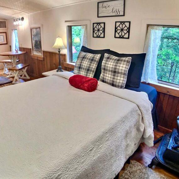 Caboose 102 Queen Bed