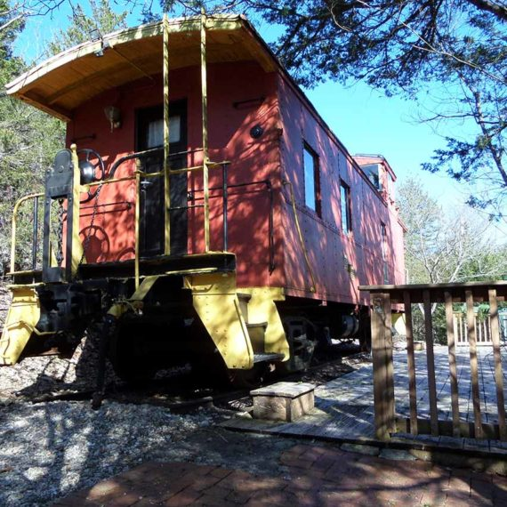 Livingston Junction Cabooses: Caboose 102 Victorian Theme